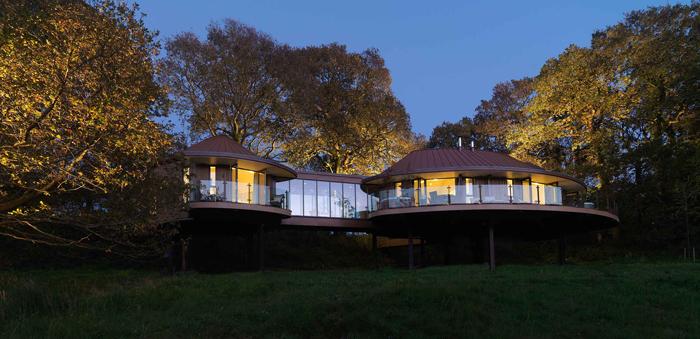 Chewton-Glen---Treehouse---Exterior-Shot-at-Night